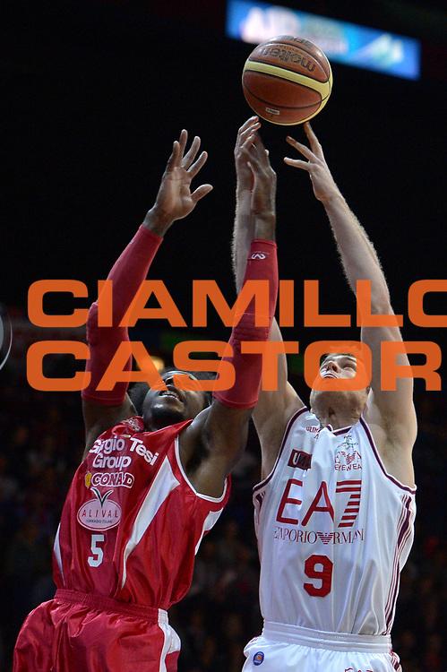 DESCRIZIONE : Milano Lega A 2013-14 EA7 Emporio Armani Milano vs Giorgio Tesi Group Pistoia  playoff quarti di finale gara 1<br /> GIOCATORE : Nicolo Melli<br /> CATEGORIA : Rimbalzo<br /> SQUADRA : EA7 Emporio Armani Milano<br /> EVENTO : Quarti di finale gara 1 playoff<br /> GARA : EA7 Emporio Armani Milano vs Montepaschi Siena playoff quarti di finale gara 1<br /> DATA : 19/05/2014<br /> SPORT : Pallacanestro <br /> AUTORE : Agenzia Ciamillo-Castoria/I.Mancini<br /> Galleria : Lega Basket A 2013-2014  <br /> Fotonotizia : Milano<br /> Lega A 2013-14 EA7 Emporio Armani Milano vs Giorgi Tesi Group Pistoia playoff quarti di finale gara 1<br /> Predefinita :