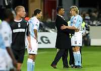 Salomon Fotball / Football / Soccer<br /> UEFA cup første runde - første kamp<br /> UEFA Cup first round - first leg<br /> Odd Grenland (NOR) v Feyenoord (NED)<br /> 16.09.2004<br /> Photo: Morten Olsen, Digitalsport<br /> <br /> Glenn Loovens and Ruud Gullit after the match