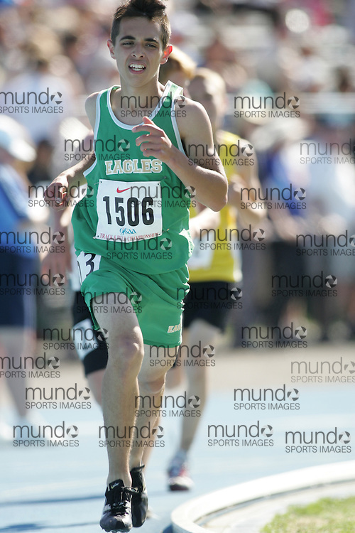 Thomas Peer in the midget boys 3000m final at the 2007 OFSAA Ontario High School Track and Field Championships in Ottawa.