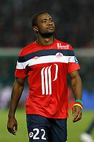 FOOTBALL - FRENCH CHAMPIONSHIP 2011/2012 - L1 - LILLE OSC v OLYMPIQUE LYONNAIS - 23/10/2011 - PHOTO CHRISTOPHE ELISE / DPPI - AURELIEN CHEDJOU (LOSC)