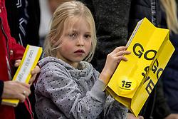 12-11-2017 NED: ISU World Cup, Heerenveen<br /> Support publiek, jeugd