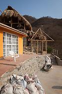 KOLUMBIEN - TAGANGA - Hostel Casa Horizonte im Aufbau - 31. März 2014 © Raphael Hünerfauth - http://huenerfauth.ch
