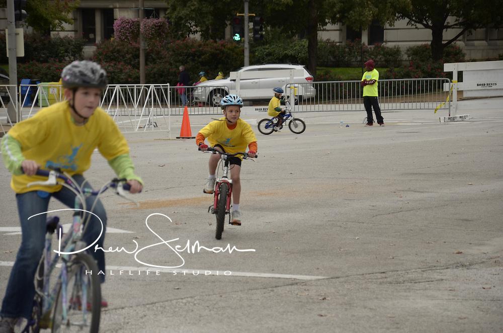 Pedal the Cause 2012.Veterans Memorial.St. Louis, MO.06-OCT-2012..Credit: Chris Hayes / Halflife Studio