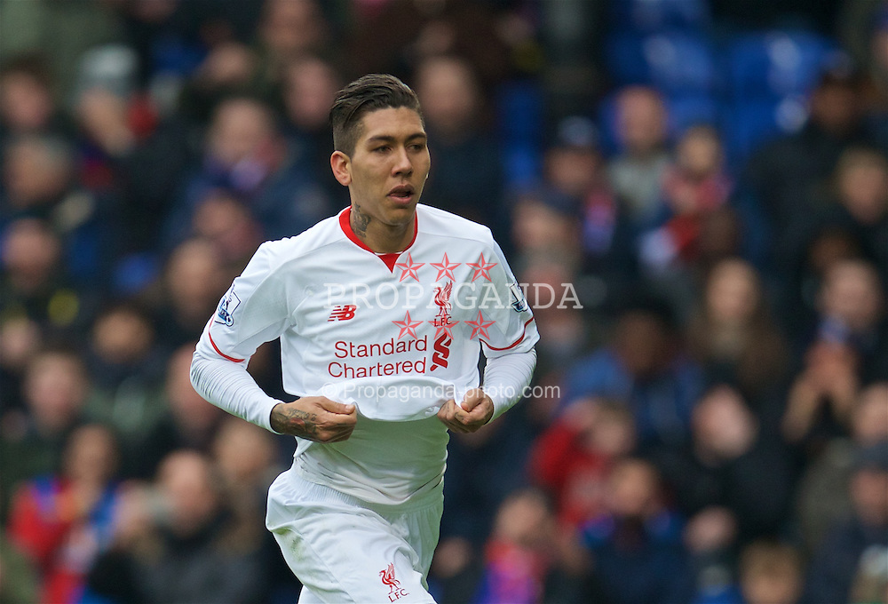 LONDON, ENGLAND - Sunday, March 6, 2016: Liverpool's Roberto Firmino celebrates scoring the equalising goal against Crystal Palace to level the score at 1-1 during the Premier League match at Selhurst Park. (Pic by David Rawcliffe/Propaganda)