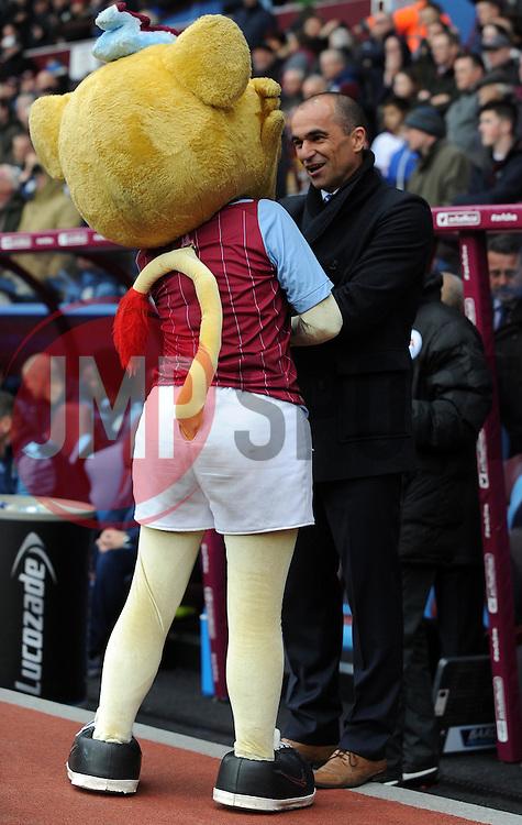 Everton Manager, Roberto Martinez - Photo mandatory by-line: Harry Trump/JMP - Mobile: 07966 386802 - 29/04/15 - SPORT - FOOTBALL - Birmingham - Villa Park - Aston Villa v Everton - Barclays Premier League