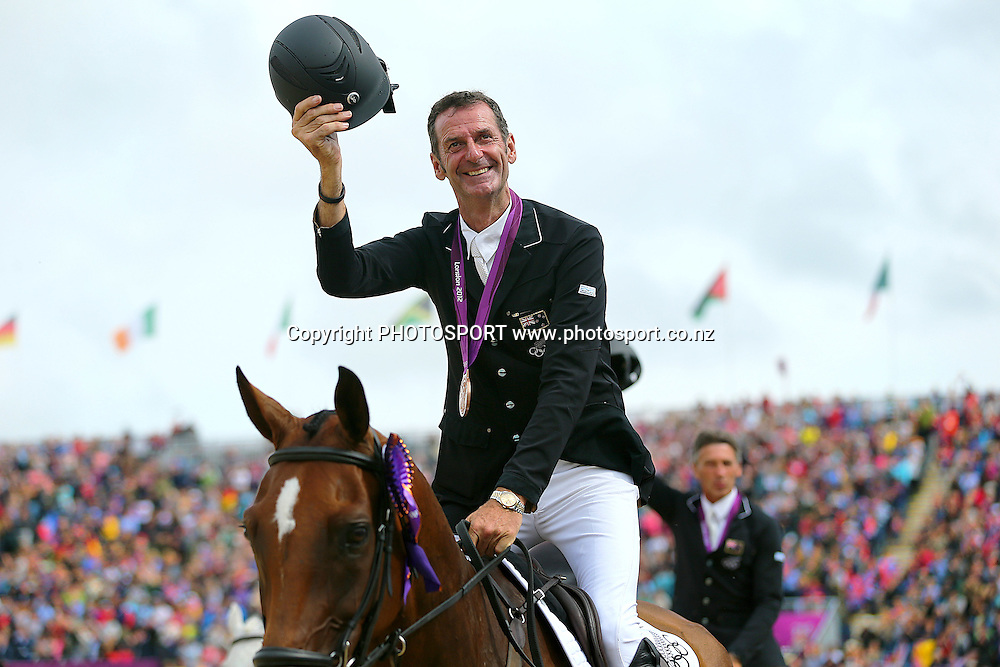 Mark Todd with his Bronze Medal for the Eventing Team Jumping. Olympic Equestrian Eventing, Jumping Final, Greenwich Park, London, United Kingdom. Tuesday 31st July 2012. Photo: Anthony Au-Yeung / photosport.co.nz