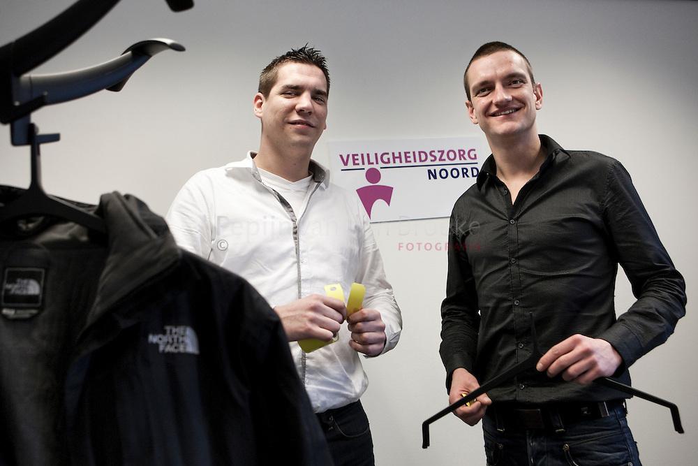 20110127. Bedenkers stadsgarderobe Anne Willem Pranger en Jonathan Schaap (rechts). foto: Pepijn van den Broeke