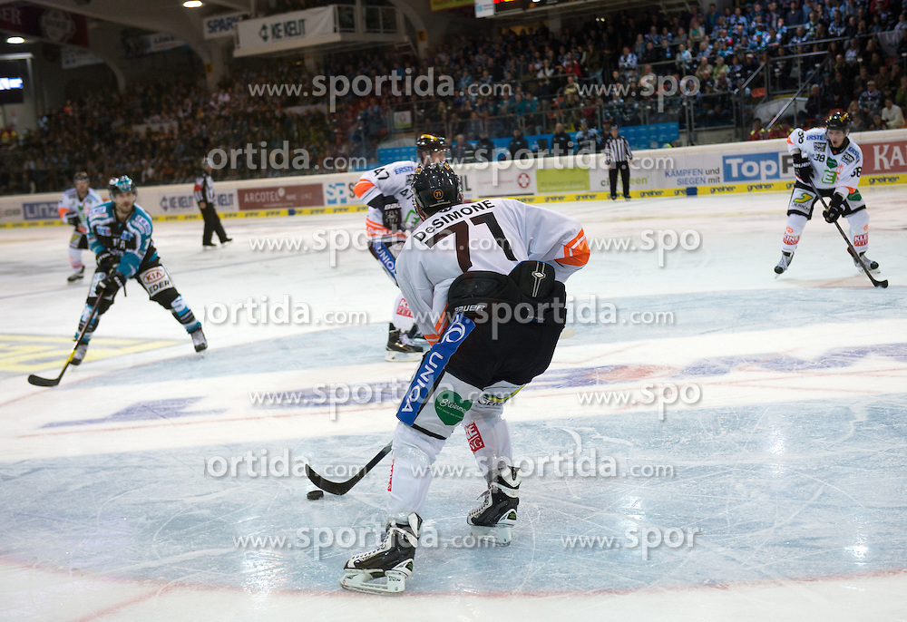 27.09.2015, Keine Sorgen Eisarena, Linz, AUT, EBEL, EHC Liwest Black Wings Linz vs Moser Medical Graz 99ers, 6. Runde, im Bild Philip DeSimone (Moser Medical Graz 99ers) // during the Erste Bank Icehockey League 6th round match between EHC Liwest Black Wings Linz and Moser Medical Graz 99ers at the Keine Sorgen Icearena, Linz, Austria on 2015/09/27. EXPA Pictures © 2015, PhotoCredit: EXPA/ Reinhard Eisenbauer