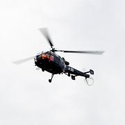 NLD/Makkum/20080430 - Koninginnedag 2008 Makkum, aankomst Koninklijke Familie per Alouette helicopter