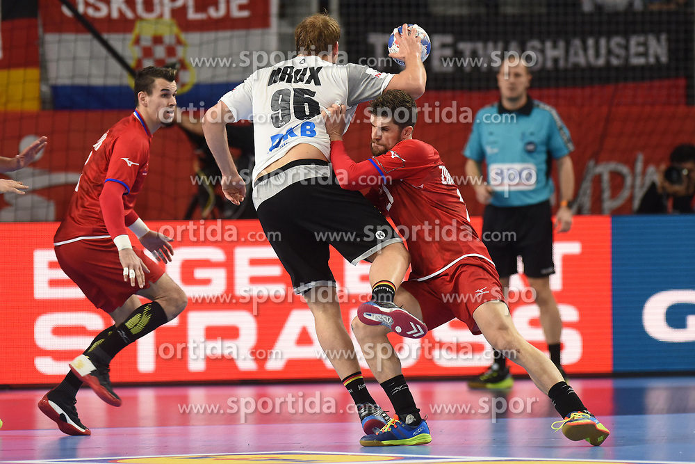 19.01.2018, Varazdin Arena, Varazdin, CRO, EHF EM, Herren, Deutschland vs Tschechien, Hauptrunde, Gruppe 2, im Bild Ondrej Zdrahala, Paul Drux. // during the main round, group 2 match of the EHF men's Handball European Championship between Germany and Czech Republic at the Varazdin Arena in Varazdin, Croatia on 2018/01/19. EXPA Pictures © 2018, PhotoCredit: EXPA/ Pixsell/ Vjeran Zganec Rogulja<br /> <br /> *****ATTENTION - for AUT, SLO, SUI, SWE, ITA, FRA only*****