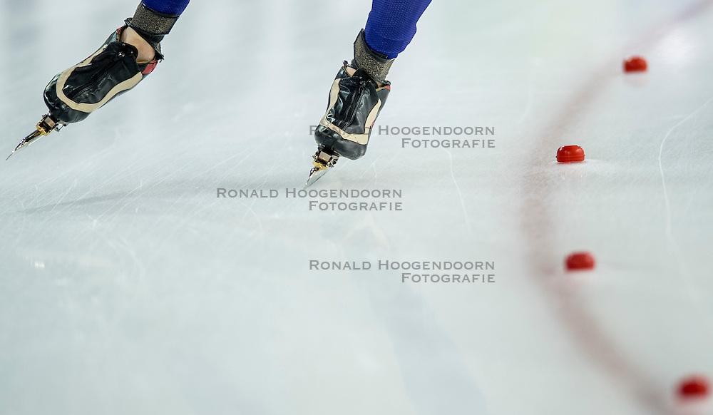 11-12-2016 NED: ISU World Cup Speed Skating, Heerenveen<br /> Schaatsen, klapschaats, item schaatsen
