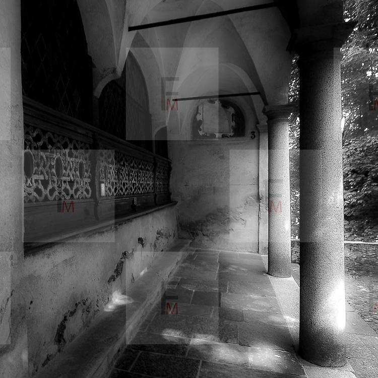 Sacro Monte di Varallo III° cappella: la visitazione..The Sacro Monte of Varallo III° chapel: The Visitation