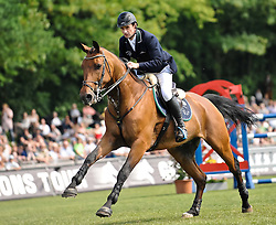 02.06.11, Hamburg, Klein-Flottbek, GER, Deutsches Spring- und Dressur-Derby, Mercedes-Benz Championat von Hamburg,  im Bild Sieger Denis Lynch (IRL) auf Lantinus 3.EXPA Pictures © 2011, PhotoCredit: EXPA/ nph/  Witke       ****** out of GER / SWE / CRO  / BEL ******