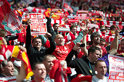 LONDON, ENGLAND - Saturday, April 14, 2012: Liverpool supporters celebrate their side's 2-1 victory over Everton during the FA Cup Semi-Final match at Wembley. (Pic by David Rawcliffe/Propaganda)