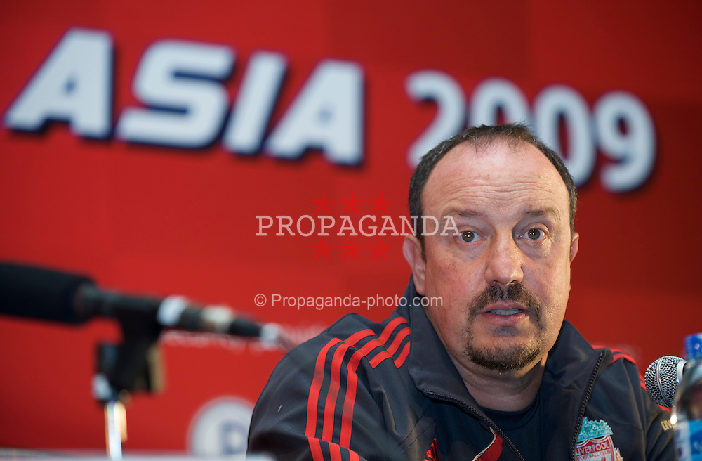 BANGKOK, THAILAND - Tuesday, July 21, 2009: Liverpool's manager Rafael Benitez during a press conference at the Grant Hyatt Erawan Hotel as the team start their preseason tour of Asia. (Pic by David Rawcliffe/Propaganda)