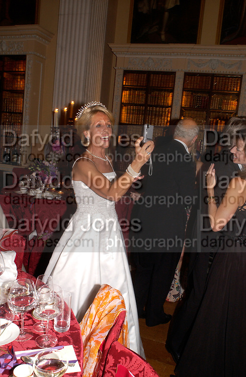 The Duchess of Marlborough, Ball at Blenheim Palace in aid of the Red Cross, Woodstock, 26 June 2004. SUPPLIED FOR ONE-TIME USE ONLY-DO NOT ARCHIVE. © Copyright Photograph by Dafydd Jones 66 Stockwell Park Rd. London SW9 0DA Tel 020 7733 0108 www.dafjones.com