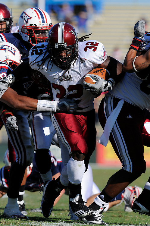 December 4, 2010: DuJuan Harris of the Troy Trojans in action during the NCAA football game between Troy and the FAU. The Trojans defeated the Owls 44-7.