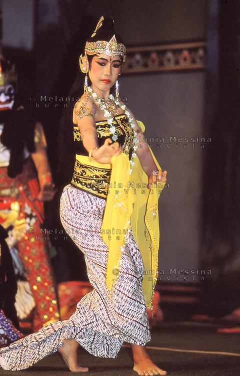 Indonesia, Java island: theatrical performance.<br /> Indonesia, Giava: performance del teatro tradizionale giavanese.