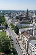 Blick auf Wilhelmstraße und Marktkirche, Wiesbaden, Hessen, Deutschland | view of Wilhelm Street and Markt Church, Wiesbaden, Hesse, Germany
