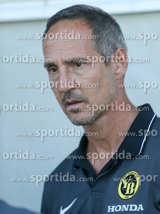 01.07.2016, Sportarena, Strasswalchen, AUT, Testspiel, FC Red Bull Salzburg vs BSC Young Boys, im Bild Trainer Adi Hütter (BSC Young Boys Bern) // during a friendly football match between FC Red Bull Salzburg and BSC Young Boys at the Sportarena in Strasswalchen, Austria on 2016/07/01. EXPA Pictures © 2016, PhotoCredit: EXPA/ Roland Hackl