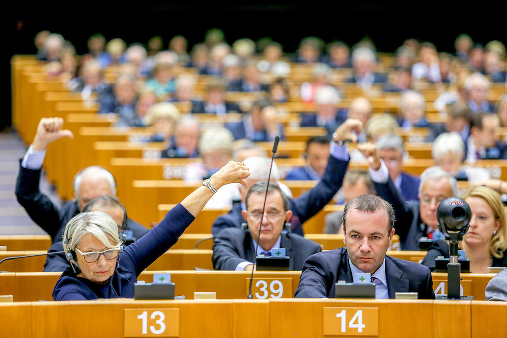 Plenary Session week 38 2015 in Brussels<br /> Resumption of session and order of business<br /> <br /> VOTES