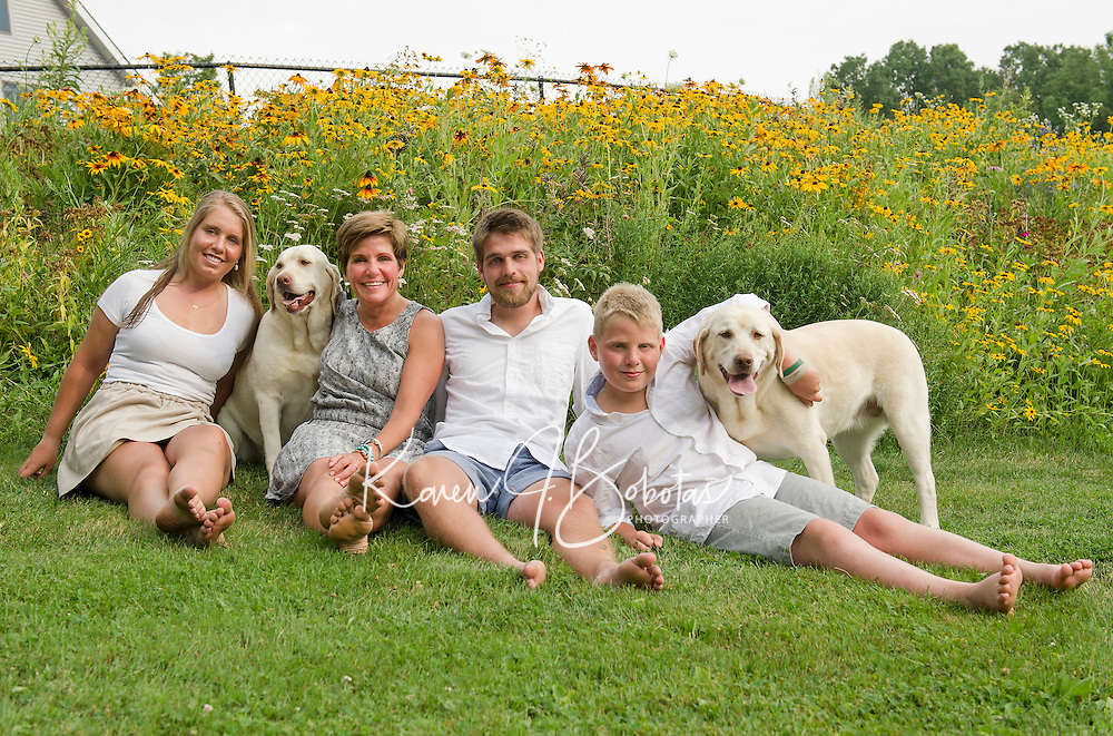 Czerwinski family portrait session.<br /> ©2016 Karen Bobotas Photographer