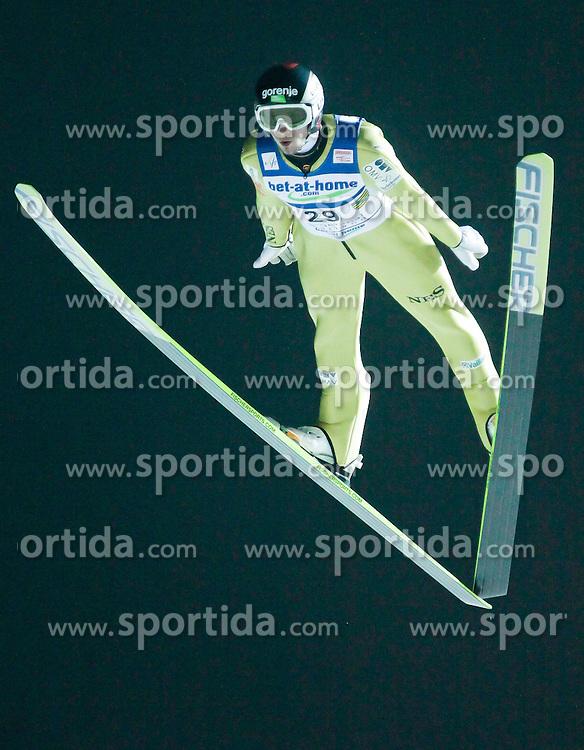02.02.2011, Vogtland Arena, Klingenthal, GER, FIS Ski Jumping Worldcup, Team Tour, Klingenthal, im Bild Robert Kranjec, SLO // during the FIS Ski Jumping Worldcup, Team Tour in Klingenthal, Germany, EXPA Pictures © 2011, PhotoCredit: EXPA/ Jensen Images/ Ingo Jensen +++++ ATTENTION +++++ GERMANY OUT!
