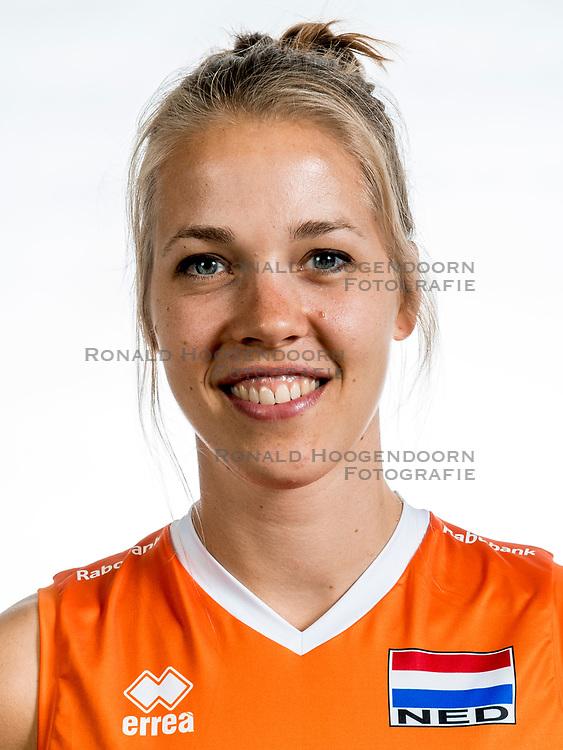22-05-2017 NED: Nederlands volleybalteam vrouwen, Utrecht<br /> Photoshoot met Oranje vrouwen seizoen 2017 / Femke Stoltenborg #2