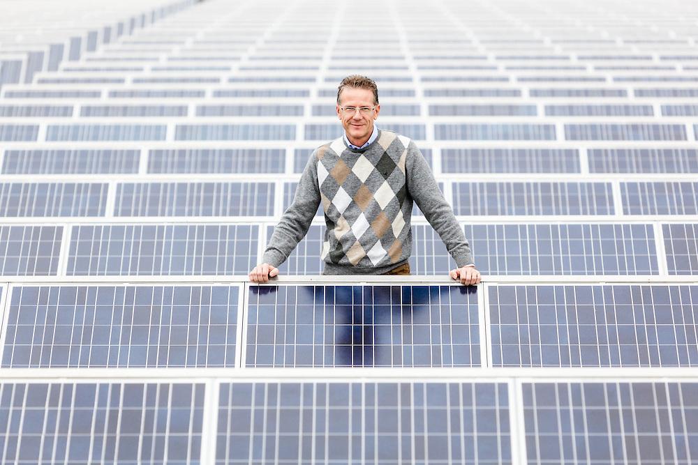 05 NOV 2010 - Castelcucco (TV) - Giuliano Alessi, amministratore delegato Grisport, calzature. Sul tetto dell'azienda, con il grande impianto fotovoltaico