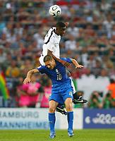 Eric Addo Ghana, Francesco Totti Italien<br /> Fussball WM 2006 Italien - Ghana<br /> Italia<br /> Norway only<br /> Fotball VM