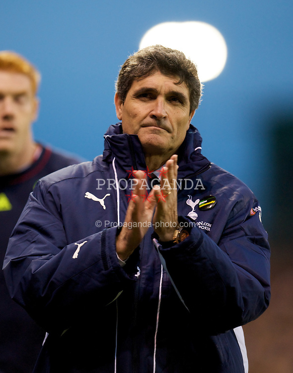 STOKE, ENGLAND - Sunday, October 19, 2008: Tottenham Hotspur's manager Juande Ramos walks off dejected following his side's 2-1 defeat to Stoke City during the Premiership match at the Britannia Stadium. (Photo by David Rawcliffe/Propaganda)