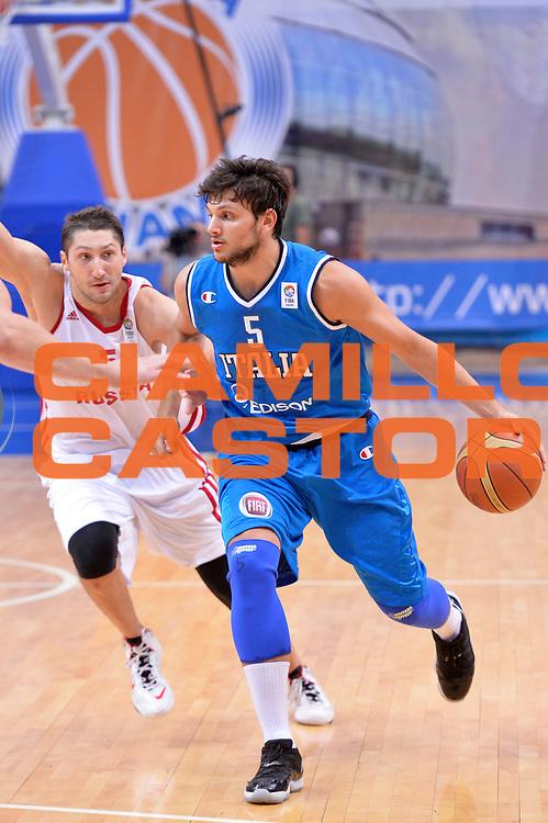 DESCRIZIONE : Mosca Moscow Qualificazione Eurobasket 2015 Qualifying Round Eurobasket 2015 Russia Italia Russia Italy<br /> GIOCATORE : Alessandro Gentile<br /> CATEGORIA : Palleggio<br /> EVENTO : Mosca Moscow Qualificazione Eurobasket 2015 Qualifying Round Eurobasket 2015 Russia Italia Russia Italy<br /> GARA : Russia Italia Russia Italy<br /> DATA : 13/08/2014<br /> SPORT : Pallacanestro<br /> AUTORE : Agenzia Ciamillo-Castoria/GiulioCiamillo<br /> Galleria: Fip Nazionali 2014<br /> Fotonotizia: Mosca Moscow Qualificazione Eurobasket 2015 Qualifying Round Eurobasket 2015 Russia Italia Russia Italy<br /> Predefinita :
