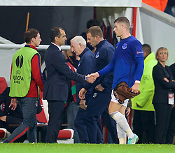 LILLE, FRANCE - Thursday, October 23, 2014: Everton's Ross Barkley and manager Roberto Martinez during the UEFA Europa League Group H match against Lille OSC at Stade Pierre-Mauroy. (Pic by David Rawcliffe/Propaganda)