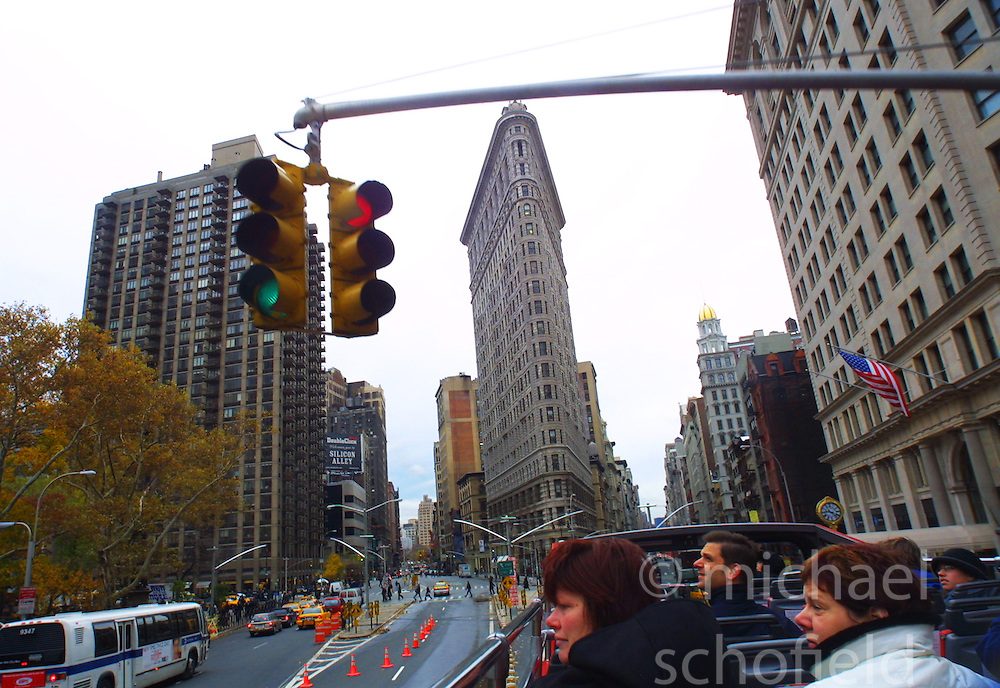 The Flat Iron Building, New York City, as seen from the top of a tourist bus, in November 2001..Images of the city of New York, United States of America, taken between 20th-22nd November, 2001..©Michael Schofield.