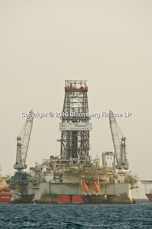 The Transocean Development Driller II works to drill the backup relief well at the BP Plc Macondo well site in the Gulf of Mexico off the coast of Louisiana, U.S., on Friday, July 30, 2010. BP Plc continues to work on a relief well to permanently plug the source of the largest oil spill in U.S. history.  Photographer: Derick E. Hingle/Bloomberg
