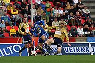 19.07.2006, Ratina, Tampere, Finland..Veikkausliiga 2006 - Finnish League 2006.Tampere United - HJK Helsinki.Ville Lehtinen (TamU) v Tuomas Aho (HJK).©Juha Tamminen.....ARK:k