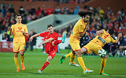 ADELAIDE, AUSTRALIA - Monday, July 20, 2015: Liverpool's James Milner in action against Adelaide United during a preseason friendly match at the Adelaide Oval on day eight of the club's preseason tour. (Pic by David Rawcliffe/Propaganda)