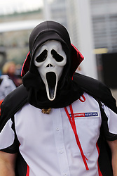 A Sky Sports reporter with a spooky mask.<br /> Mexican Grand Prix, Thursday 27th October 2016. Mexico City, Mexico.<br /> 27.10.2016. Formula 1 World Championship, Rd 19, Mexican Grand Prix, Mexico City, Mexico, Preparation Day.<br />  <br /> / 271016 / action press