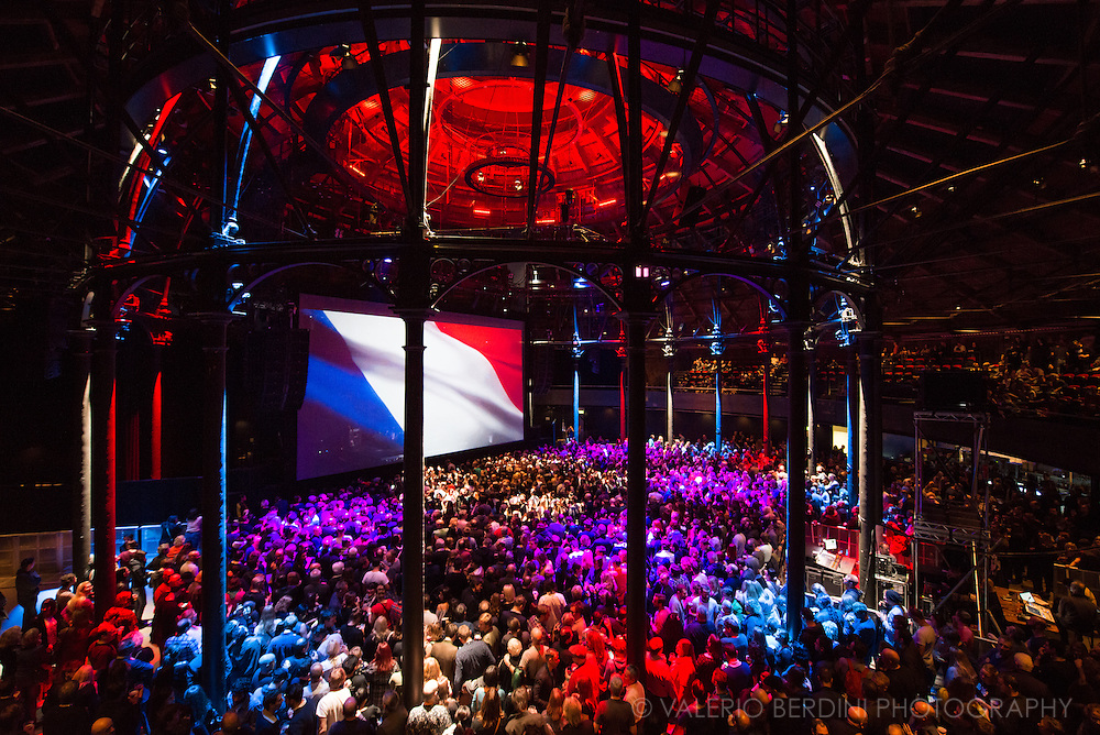 A french flag was lit inside the Roundhouse in London before Suede set on 14 November 2015.
