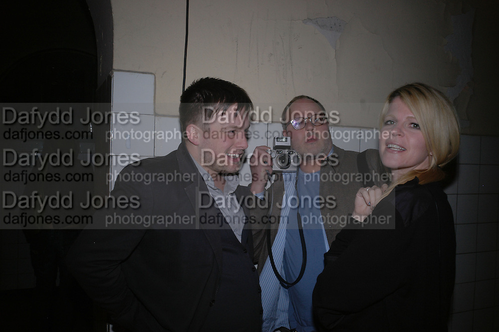 Steve Shave, Tod Eberle and Yvonne Force.  Frieze Party Berlin. Stadtbad, Oderberger Strasse 57-59, Oderberger Strasse. Berlin. 23 March 2006. ONE TIME USE ONLY - DO NOT ARCHIVE  © Copyright Photograph by Dafydd Jones 66 Stockwell Park Rd. London SW9 0DA Tel 020 7733 0108 www.dafjones.com