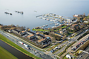 Nederland, Utrecht, Vinkeveen, 15-02-2007; luchtfoto (25 procent toeslag); Hotel Vinkenveen vlak bij de afslag van de A2 (rechtsonder op de foto), met jachthaven; Vinkeveensche plassen, watersport, toerisme, recreatie, mobiliteit, landschap, planologie.luchtfoto (toeslag); aerial photo (additional fee required); .foto Siebe Swart / photo Siebe Swart