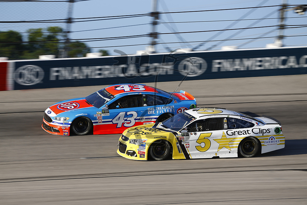 September 03, 2017 - Darlington, South Carolina, USA: Aric Almirola (43) and Kasey Kahne (5) battle for position during the Bojangles' Southern 500 at Darlington Raceway in Darlington, South Carolina.