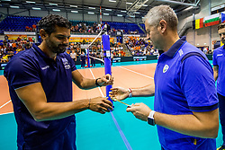 23-08-2017 NED: World Qualifications Greece - Slovenia, Rotterdam<br /> Coach Alessandro Chiodini SLO, Coach Ioannis Orfanos GRE<br /> Photo by Ronald Hoogendoorn / Sportida