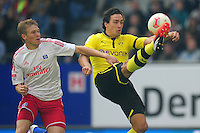 FUSSBALL   1. BUNDESLIGA   SAISON 2012/2013   5. Spieltag Hamburger SV - Borussia Dortmund                     22.09.2012         Artjomas Rudnevs (li, Hamburger SV) gegen Mats Hummels (re, Borussia Dortmund)