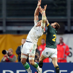 PADUA, ITALY - NOVEMBER 22: Sergio Parisse (captain) of Italy and Francois Hougaard of South Africa both look to jump for the ball during the Castle Lager Outgoing Tour match between Italy and South African at Stadio Euganeo on November 22, 2014 in Padua, Italy. (Photo by Steve Haag/Gallo Images)