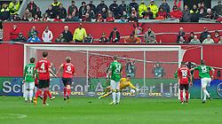 27.04.2013, BayArena, Leverkusen, GER, 1. FBL, Bayer 04 Leverkusen vs SV Werder Bremen, 31. Runde, im Bild Stefan Kiesling (Bayer 04 Leverkusen #11) verwandelt den Strafstoss gegen Sebastian Mielitz (SV Werder Bremen #1) // during the German Bundesliga 31st round match between Bayer 04 Leverkusen and SV Werder Bremen at the BayArena, Leverkusen, Germany on 2013/04/27. EXPA Pictures © 2013, PhotoCredit: EXPA/ Andreas Gumz ..***** ATTENTION - OUT OF GER *****