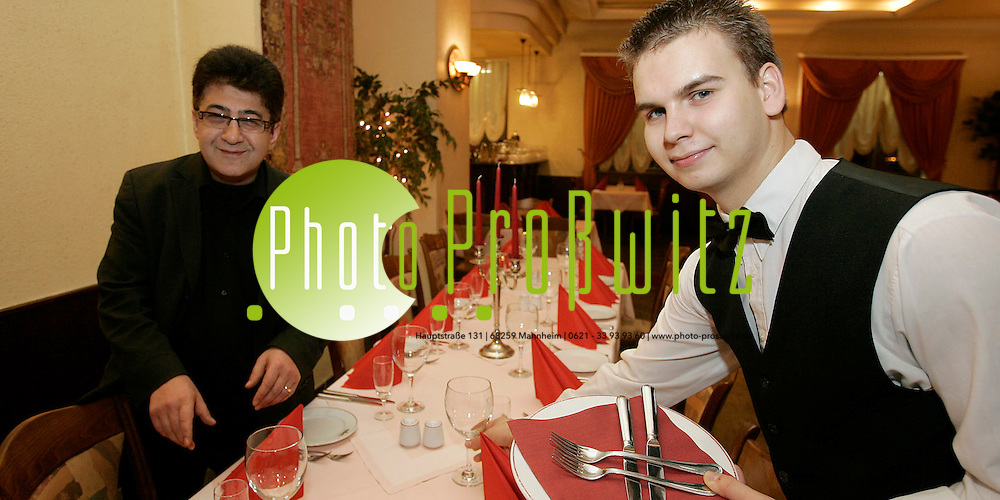 Mannheim. Restaurant Otantik. Das t&uuml;rkische Spezialit&auml;tenrestaurant hat den deutschen Azubi &Ouml;lschl&auml;gel. Gesch&auml;ftsf&uuml;hrer Hasan Y&uuml;z&uuml;ak ist zufrieden.<br /> <br /> Bild: Markus Pro&szlig;witz<br /> ++++ Archivbilder und weitere Motive finden Sie auch in unserem OnlineArchiv. www.masterpress.org ++++