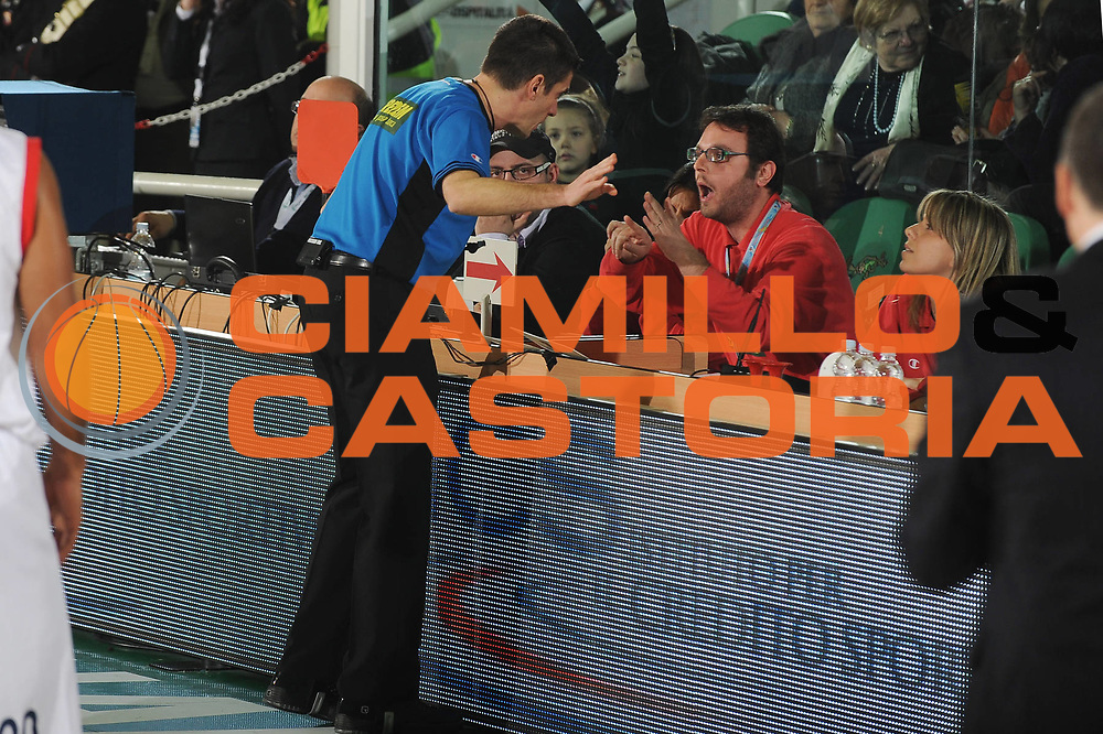 DESCRIZIONE : Avellino Final 8 Coppa Italia 2010 Semifinale Montepaschi Siena Angelico Biella<br /> GIOCATORE : Arbitro<br /> SQUADRA : <br /> EVENTO : Final 8 Coppa Italia 2010 <br /> GARA : Montepaschi Siena Angelico Biella<br /> DATA : 20/02/2010<br /> CATEGORIA : <br /> SPORT : Pallacanestro <br /> AUTORE : Agenzia Ciamillo-Castoria/GiulioCiamillo<br /> Galleria : Lega Basket A 2009-2010 <br /> Fotonotizia : Avellino Final 8 Coppa Italia 2010 Semifinale Montepaschi Siena Angelico Biella<br /> Predefinita :
