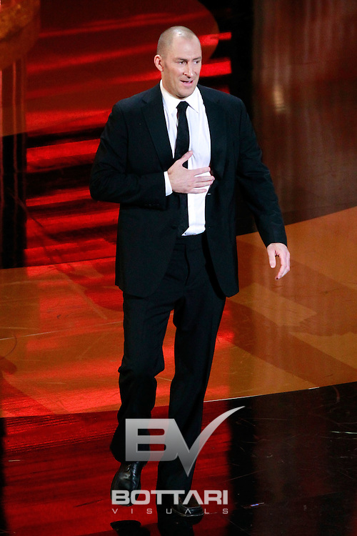 TV show host Ben Bailey accepts the Outstanding Game Show Host award onstage during the Daytime Emmy Awards on Sunday June 19, 2011 in Las Vegas. (AP Photo/Jeff Bottari)