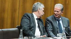 """31.01.2017, Parlament, Wien, AUT, Parlament, Nationalratssitzung, Sitzung des Nationalrates mit Erklärungen des Bundes- und des Vizekanzlers zum Thema """"Für Österreich - Arbeitsprogramm der Bundesregierung 2017/2018"""", im Bild v.l.n.r. Bundesminister für Finanzen Hans Jörg Schelling (ÖVP) und Vizekanzler und Minister für Wirtschaft und Wissenschaft Reinhold Mitterlehner (ÖVP) // f.l.t.r. Austrian Minister of Finance Hans Joerg Schelling and Vice Chancellor of Austria and Minister of Science and Economy Reinhold Mitterlehner during meeting of the National Council of austria at austrian parliament in Vienna, Austria on 2017/01/31, EXPA Pictures © 2017, PhotoCredit: EXPA/ Michael Gruber"""